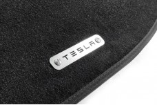 Car mat badge for Tesla